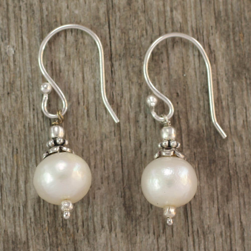 Pearl dangle earrings 'Mumbai Moonlight'