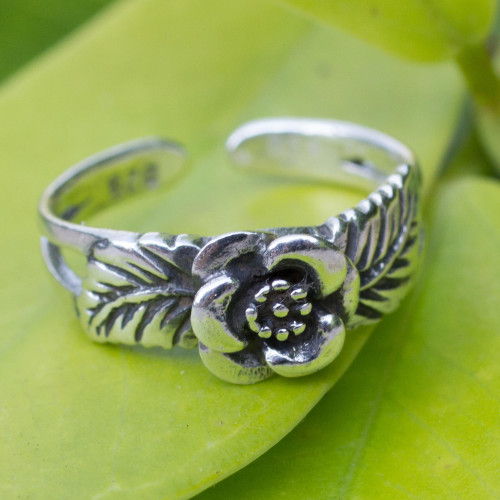 Handcrafted Floral Sterling Silver Toe Ring from Thailand 'Chiang Mai Rose'