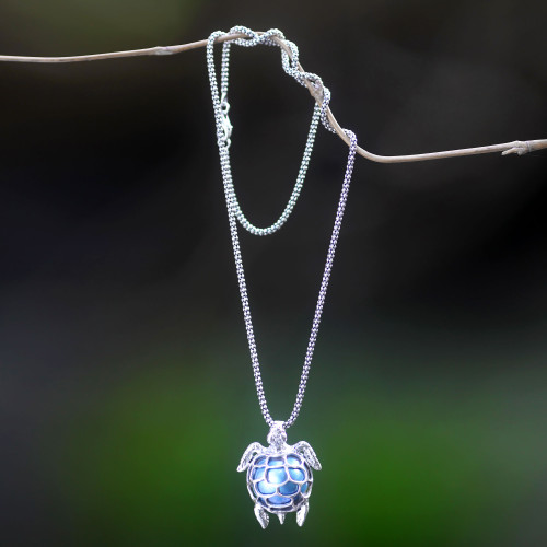 Handcrafted Blue Mabe Pearl Silver Pendant Necklace 'Turtle in the Sea'