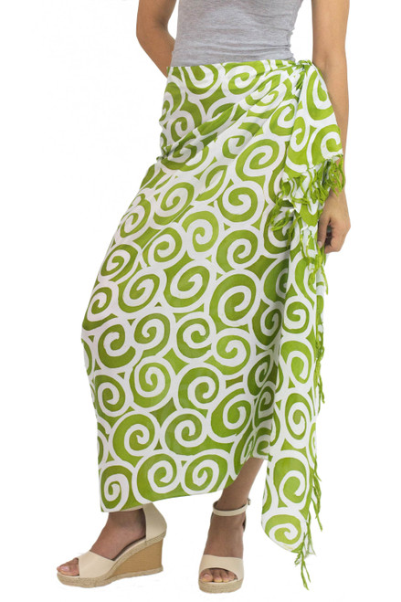 Handcrafted Thai Silk Batik Sarong in Green and White 'Lime Spiral'