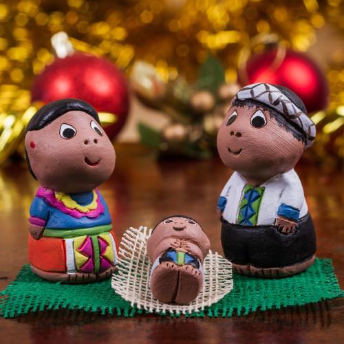 Hand Crafted 3-Piece Shipibo Ceramic Nativity Scene 'Shipibo Nativity'