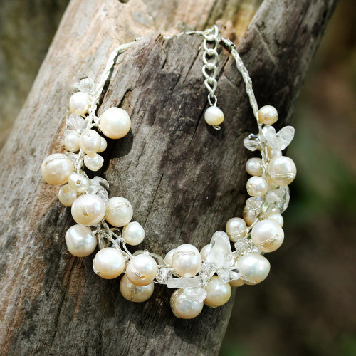 Bracelet with White Cultured Freshwater Pearls 'Pure Snow'