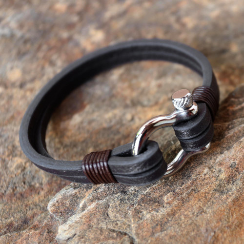 Handcrafted Brown Leather Wristband Bracelet from Thailand 'Sleek Movement in Brown'