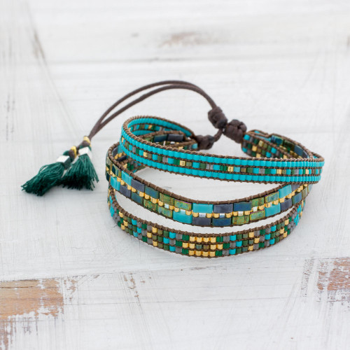 Adjustable Glass Beaded Wristband Bracelet from Guatemala 'Soul of the River'