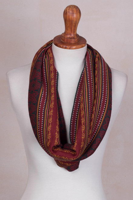 100 Baby Alpaca Infinity Scarf in Wine from Peru 'Wine Baroque'