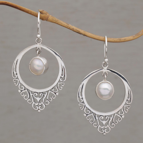 Handmade 925 Sterling Silver Cultured Mabe Pearl Earrings 'Fair Daydream'
