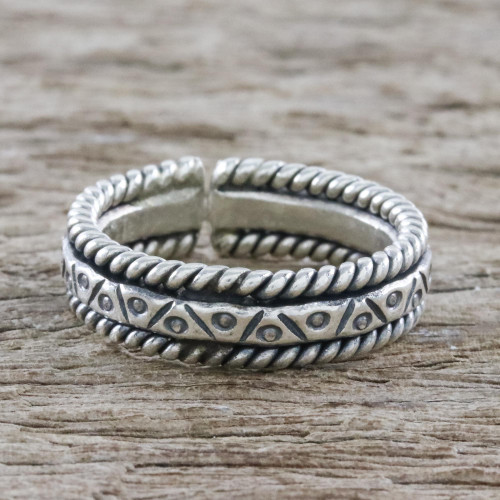 Handmade Sterling Silver Wrap Ring from Thailand 'Lanna Bliss'