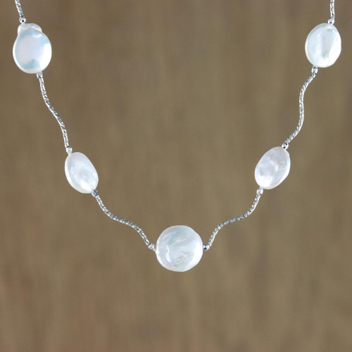 Rhodium Plated Cultured Pearl Link Necklace from Thailand 'Shining World'