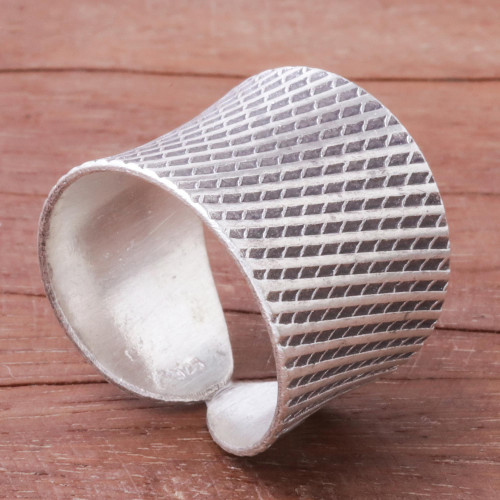 Diamond Pattern Sterling Silver Band Ring from Thailand 'Exotic Modernity'