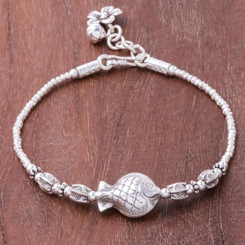Karen Silver Fish Beaded Pendant Bracelet from Thailand 'Fish Love'