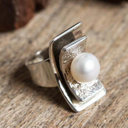 Modern Cultured Pearl Cocktail Ring from Mexico 'Glowing Mystery'