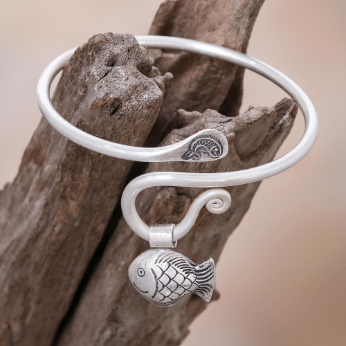 Handcrafted Thai Hill Tribe Silver Fish Charm Bracelet 'Hill Tribe Goldfish'