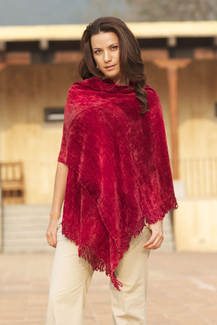 Finely Hand Loomed Women's Rayon Chenille Wrap 'Ruby Roses'