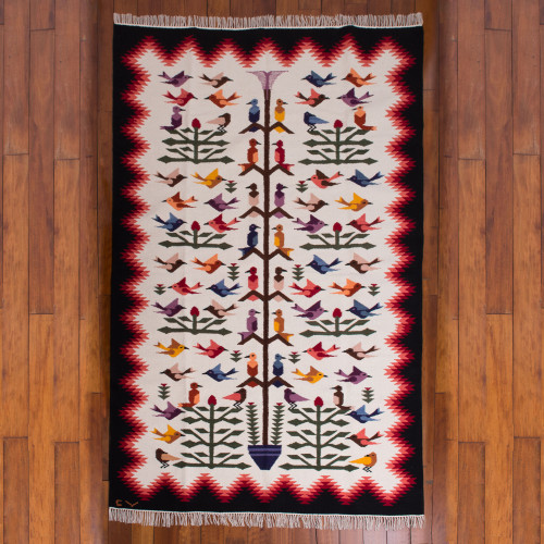 Exquisitely Handcrafted Bird Area Rug 6x8 'Hummingbirds'