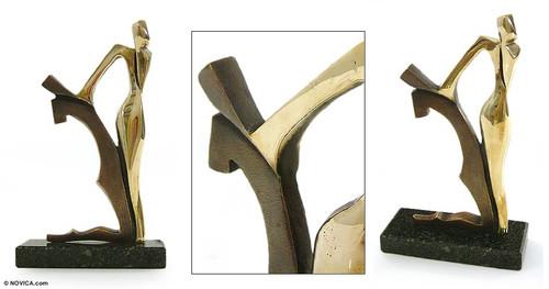 Bronze sculpture 'Caresses'
