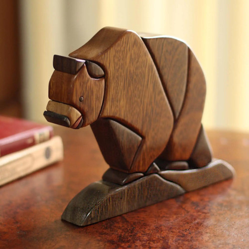 Wood sculpture 'Andean Bear'