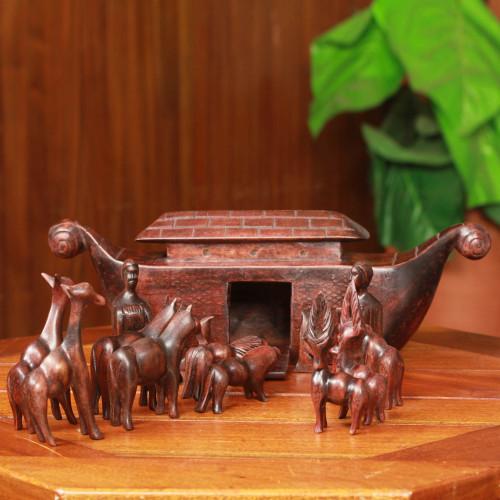 15 Piece Hand Carved Teakwood Noah's Ark Set 'Noah's Ark'