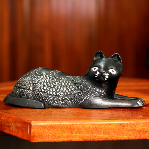 African Wood Cat Figurine 'Asevi'