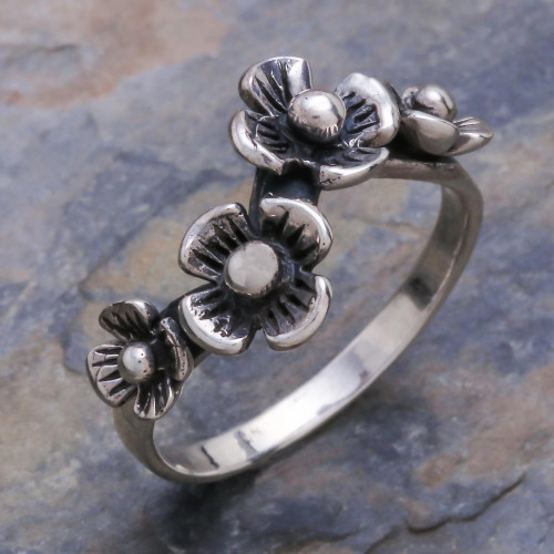 Artisan Crafted Floral Sterling Silver Band Ring 'Daisy Quartet'
