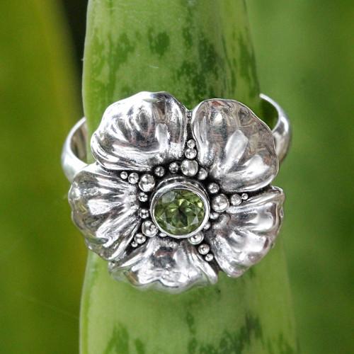 Handcrafted Balinese Peridot Flower Ring 'Hibiscus'