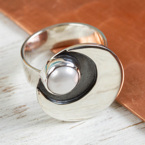 950 Silver and Pearl Moon Ring Mexico Taxco Jewelery 'Iridescent Moon'