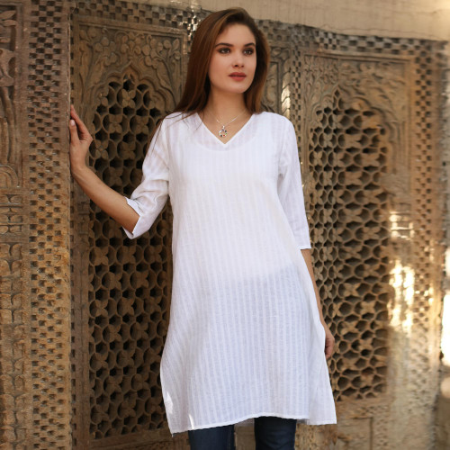 Flowing White Cotton Tunic with Three Quarter Sleeves 'Flowing Beauty'
