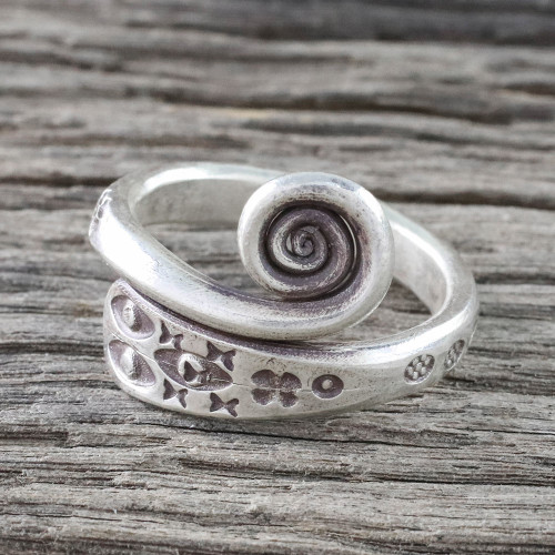 Handmade 925 Sterling Silver Flower and Eye Ring Thailand 'Silver Eye'