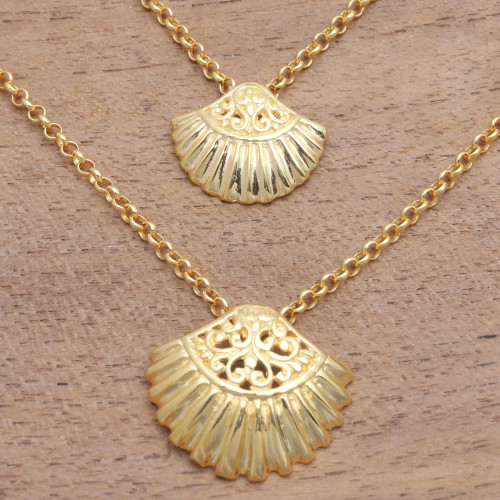 Gold Plated Sterling Silver Clam Shell Pendant Necklace 'Sea Shells'