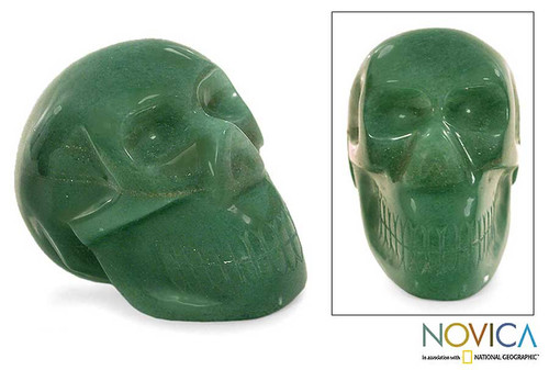 Green quartz statuette 'Green Skull'