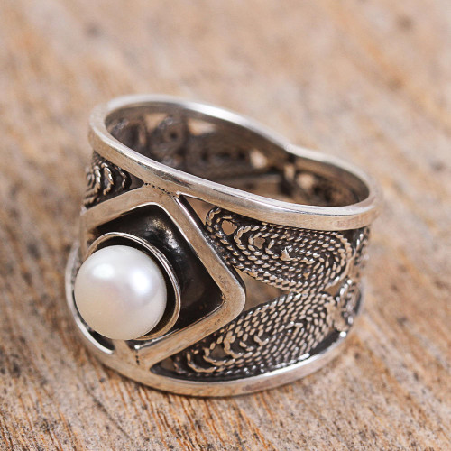 Handcrafted Cultured Pearl and Sterling Silver Cocktail Ring 'Ocean's Jewel'
