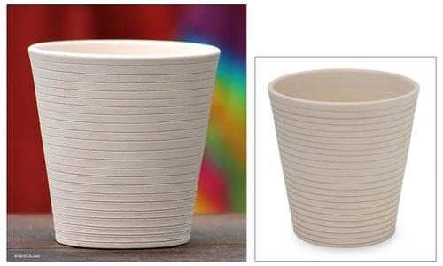 Ceramic flower pot 'Spiraling Cloud'