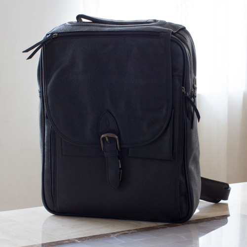 Men's leather messenger bag 'Out of Office in Black'