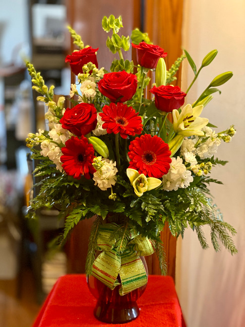 Beautiful red with white flowers, bursting with holiday happiness!