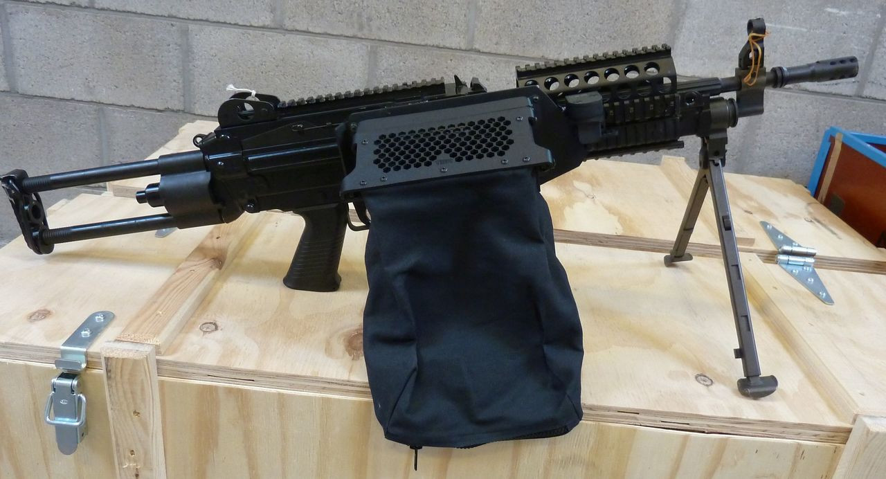 400 case and link capacity bag shown.  not recommended for use with plastic forearm.