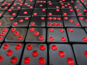 1000 Count - 16mm Black Dice with Red Pips