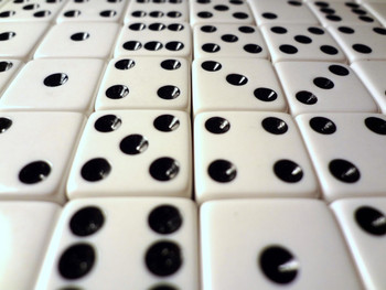 1000 Count - 16mm White Dice w/ Black Pips