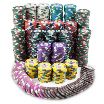 750ct Claysmith Gaming Showdown Chip Set in Mahogany
