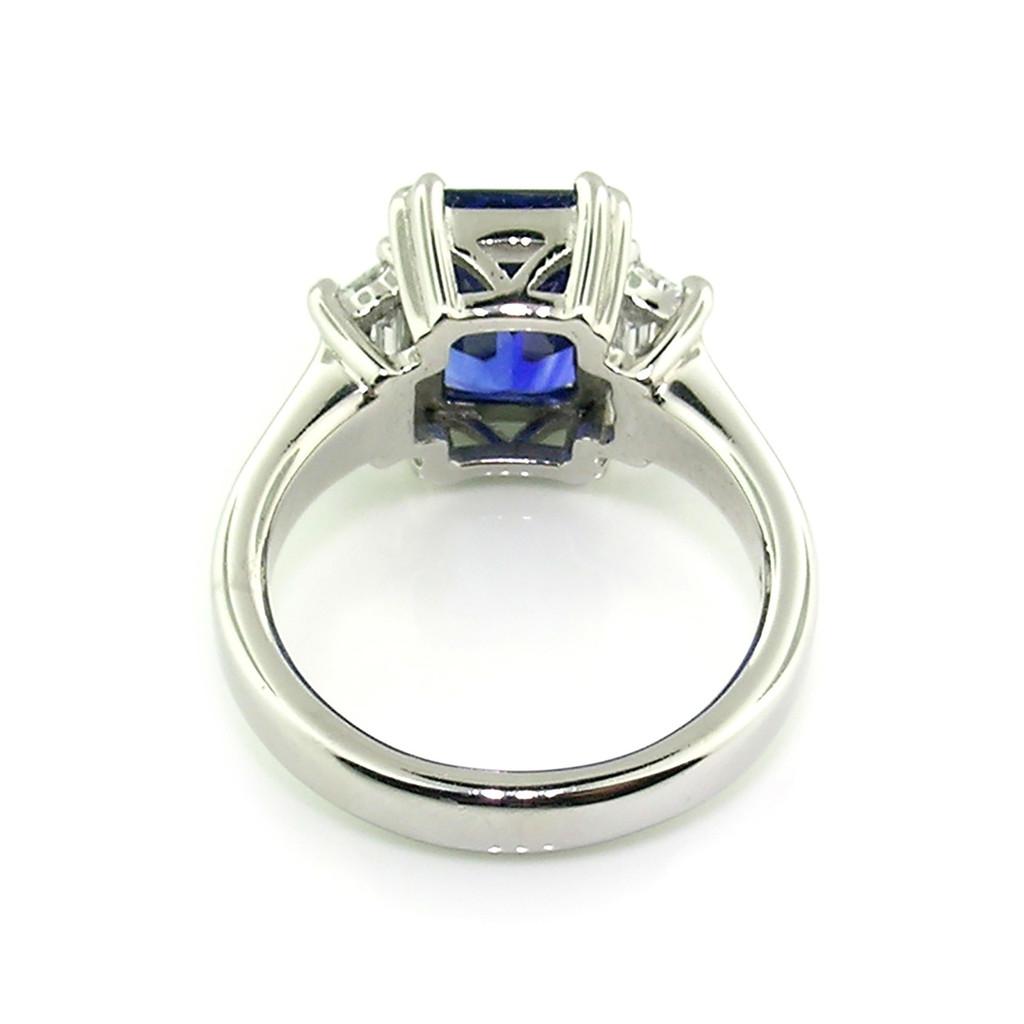 Royal Blue Sapphire & Diamond Ring