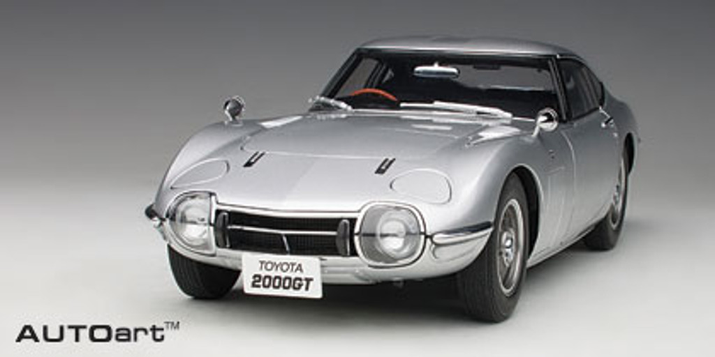 TOYOTA 2000 GT (Silver) 1:18 Scale Model - Part no. NGA78752