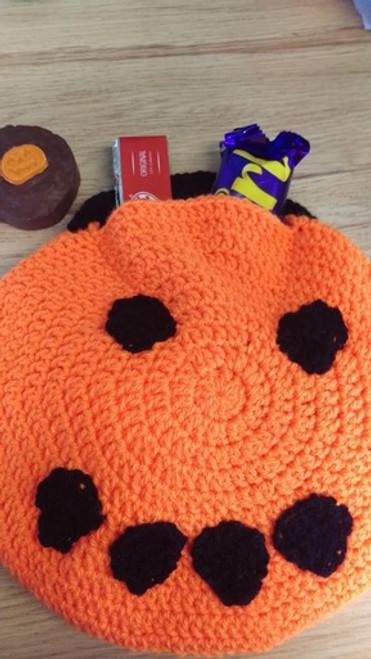 Woolfull Free Crochet Pattern - Pumpkin Trick or Treat Bag