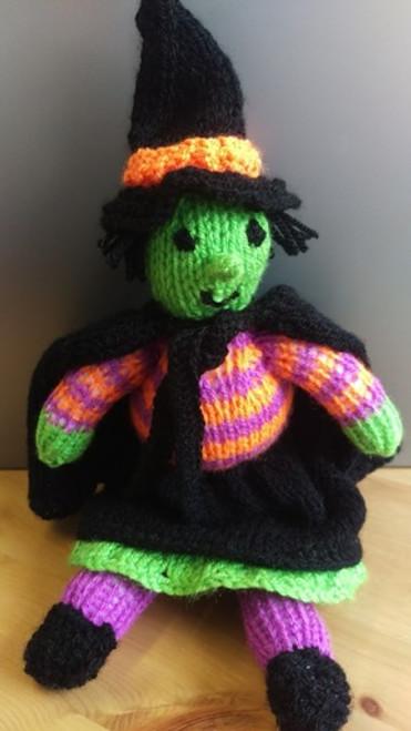 Woolfull Free Knitting Pattern - Suki the Smiley Witch