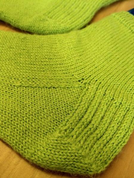 Woolfull Free Knitting Pattern - Beginner Sock Knitting Pattern