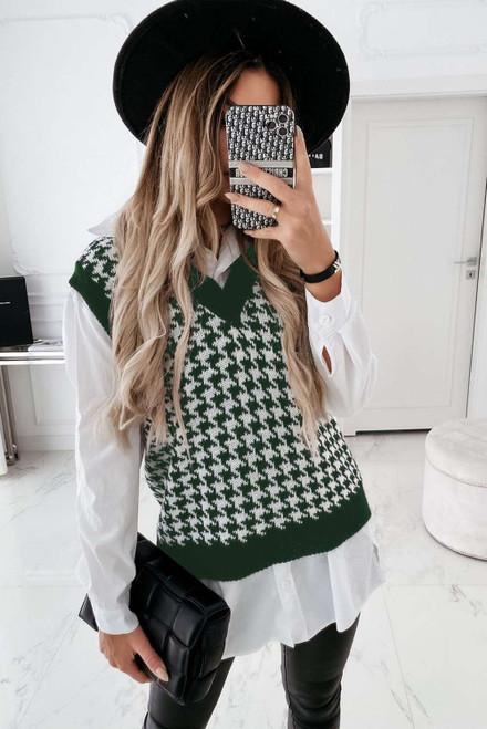 Green V Neck Argyle Plaid Knitted Sweater Vest