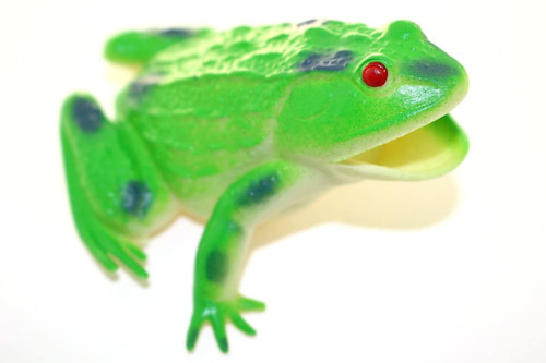 "Green Frog ~ Rubber Replica 3"" X 3"" F6086-B3"