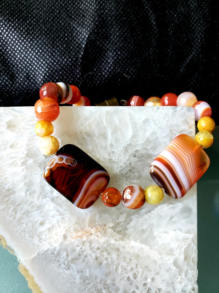 agate magnetic closure