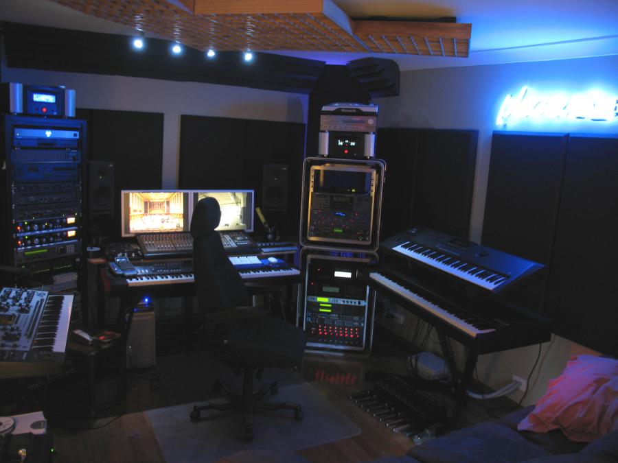 studio-900w.jpg