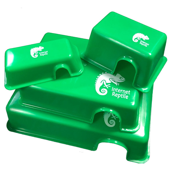 Easy Clean Plastic Hide Box - Large (GREEN)