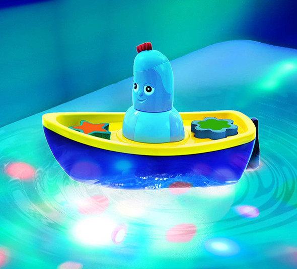 In the Night Garden NEW Iggle Piggle's Lightshow Bath-Time Boat Toy