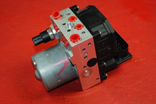 Porsche 911 996 Carrera C4 Cab Anti Lock Brake ABS Pump Module 99635575561