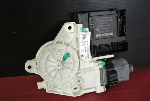 PORSCHE 911 997 987 BOXSTER CAYMAN RIGHT SIDE WINDOW MOTOR 99762418204